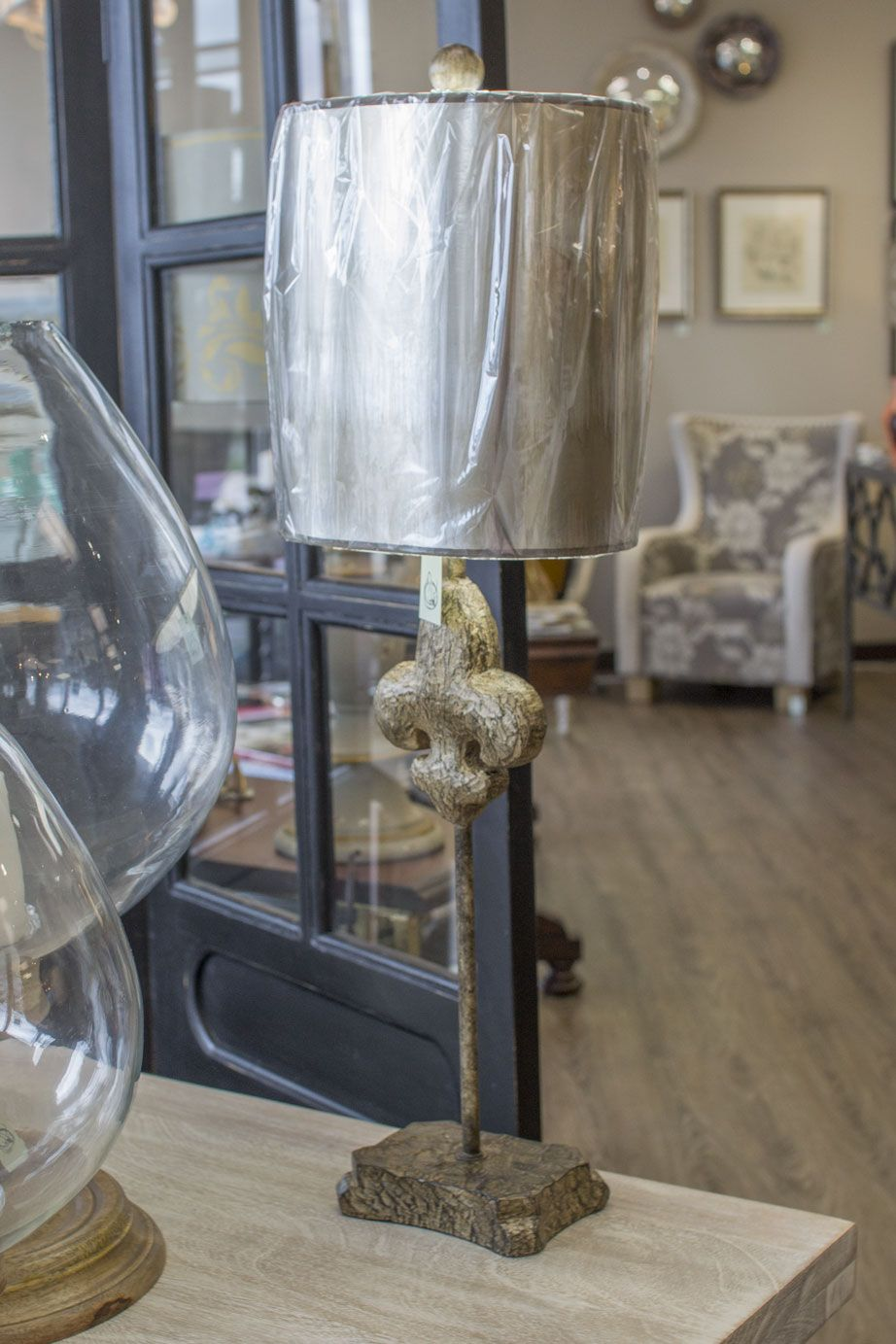 Small Fluer de lis lamp with metallic accents. Robin's
