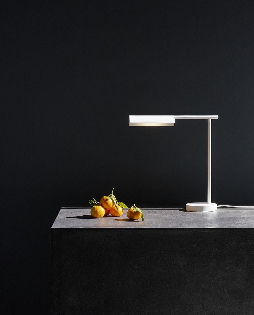 Astro Fold LED Vegglampe Sort | Designbelysning.no i 2020