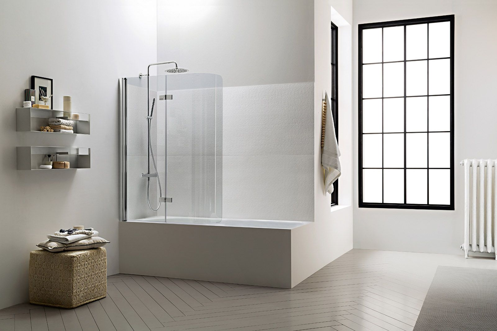 La doccia nella vasca aggiungendo un pannello bagno