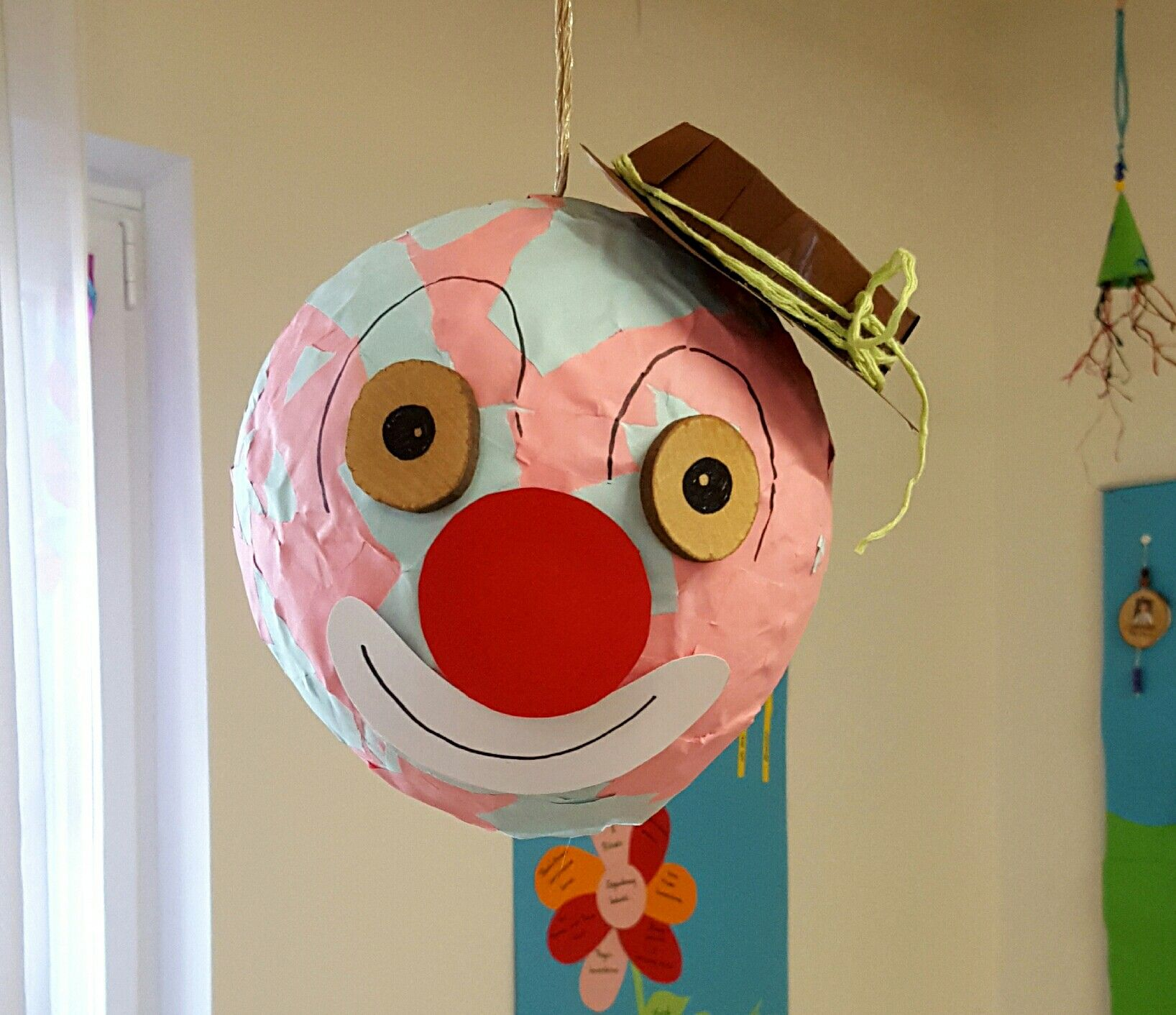 Clown Aus Kleister Und Papier Basteln Mit Kindern Kinder