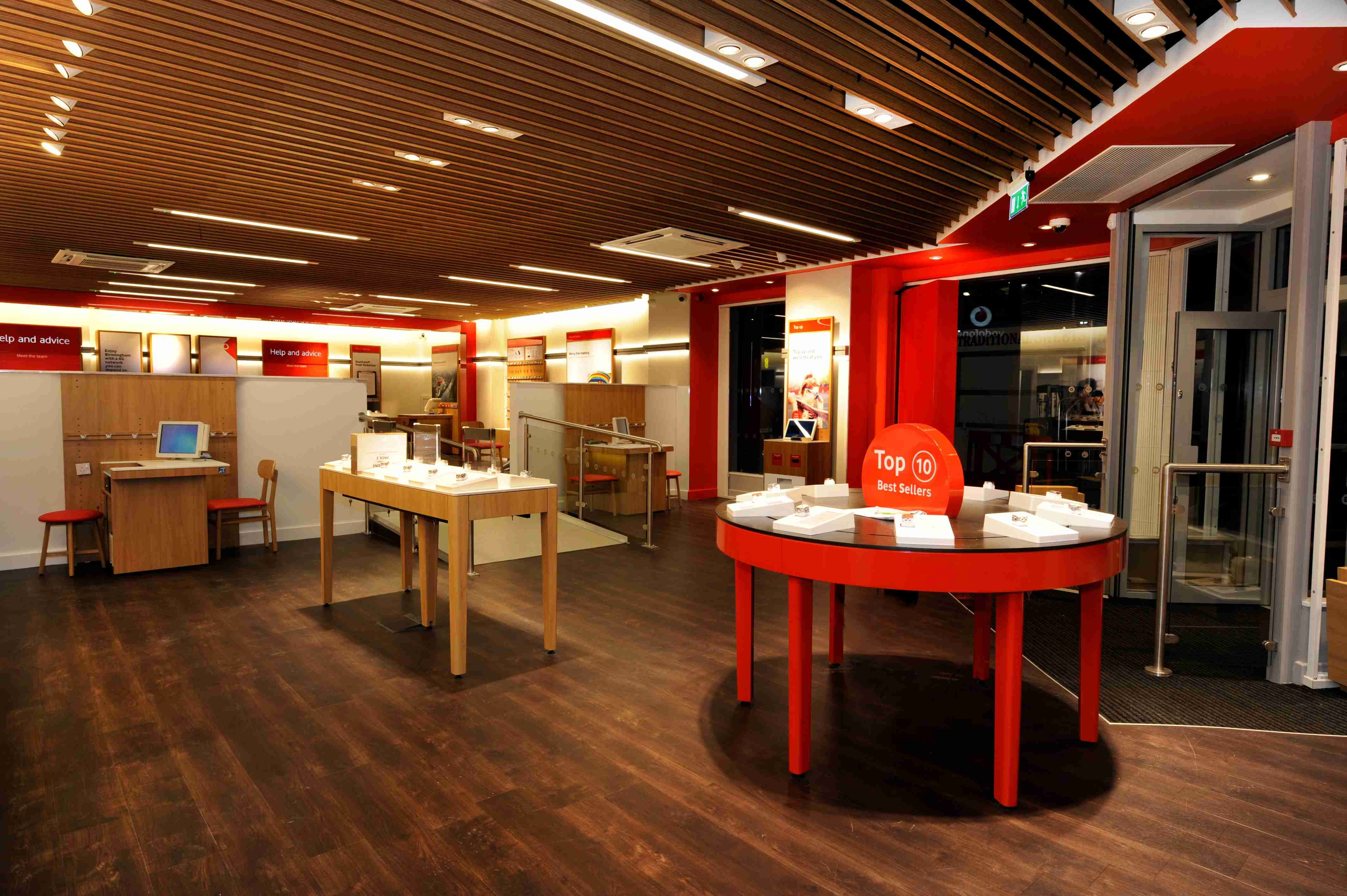 Vodafone Store In Birmingham Uk Fitted With Polyflor S Simplay