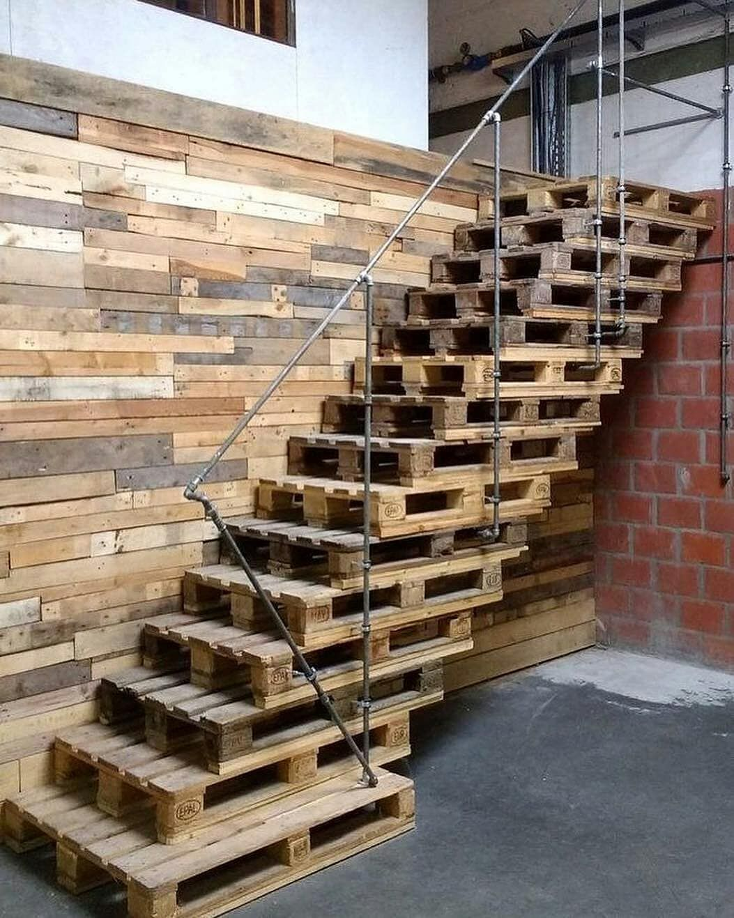 Pallet Stairs Check out other 34 Amazing Wooden Stairs ...