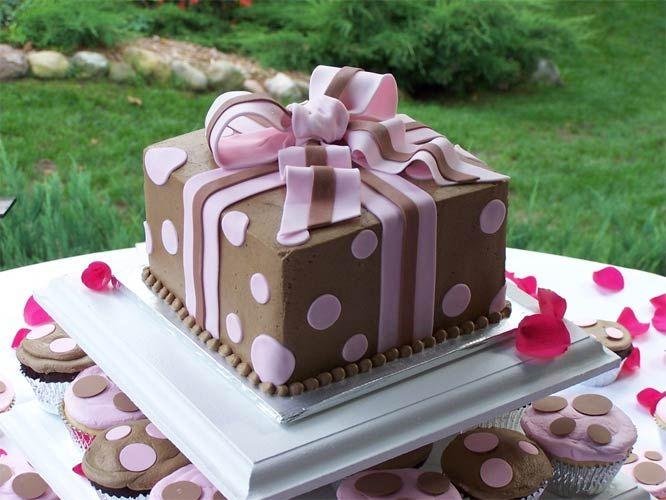 Gift box shape wedding cupcakes wedding ideas pinterest gift box shape wedding cupcakes negle Images
