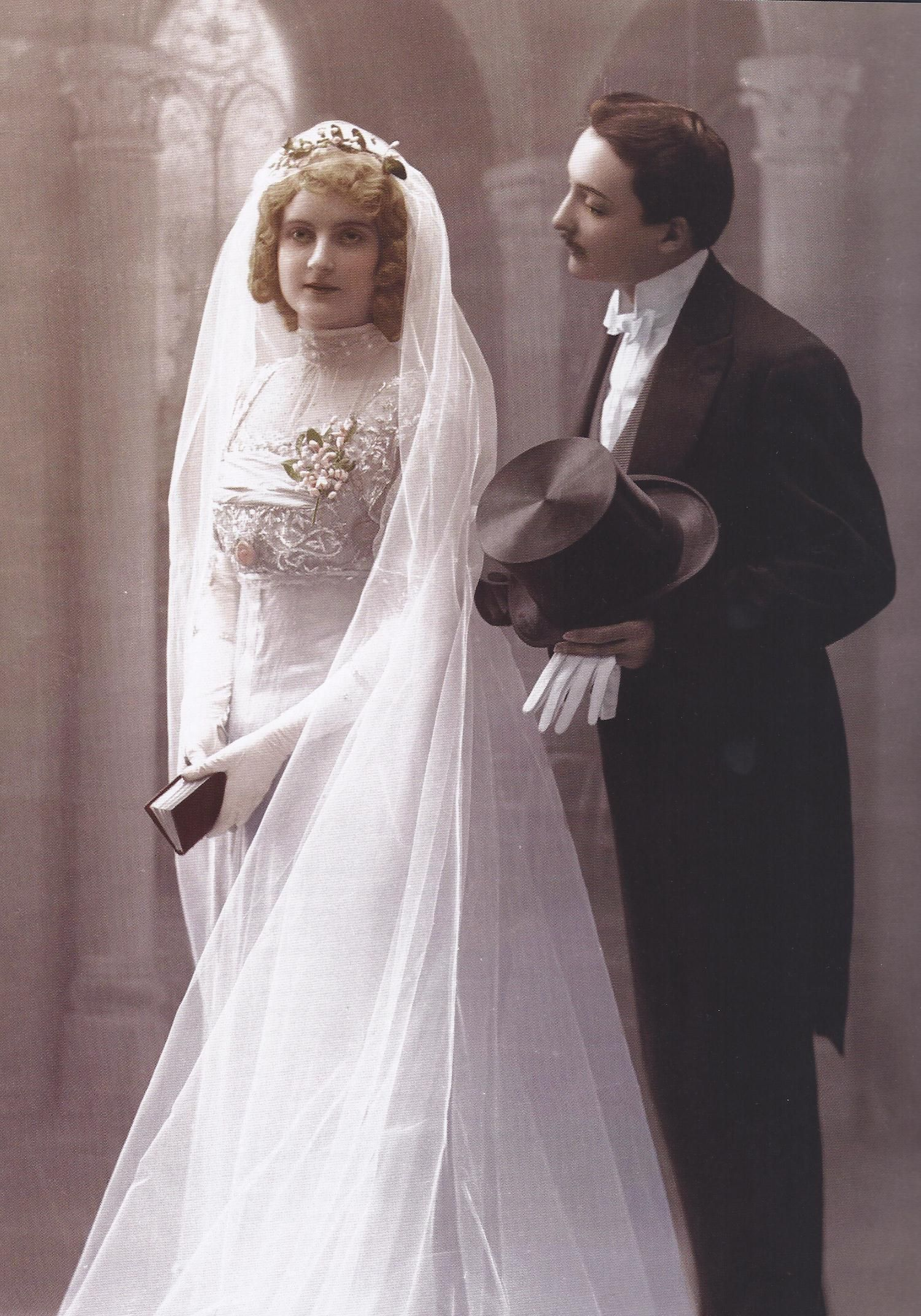 1910 Wedding Portrait Found In Vintage Weddings By Marnie Fogg Antique Wedding Dresses Vintage Bride Wedding Gowns Vintage