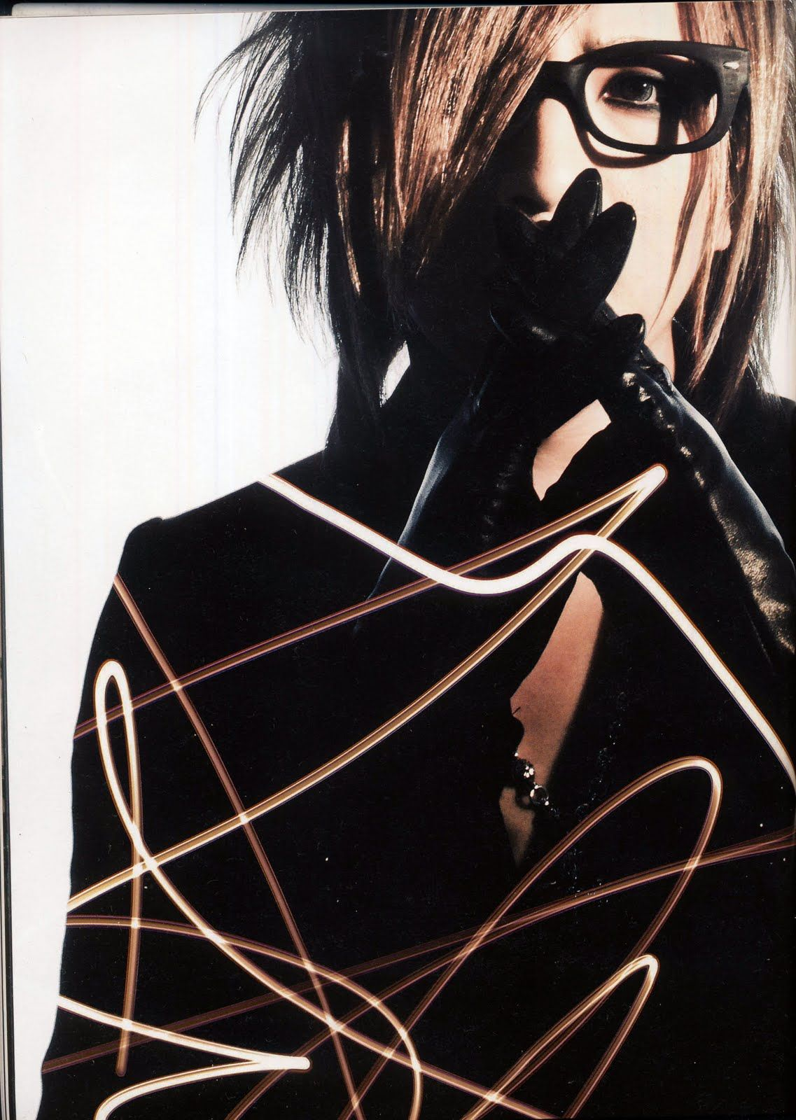 Ruki the gazette looking too cute with glasses and blonde hair ueω