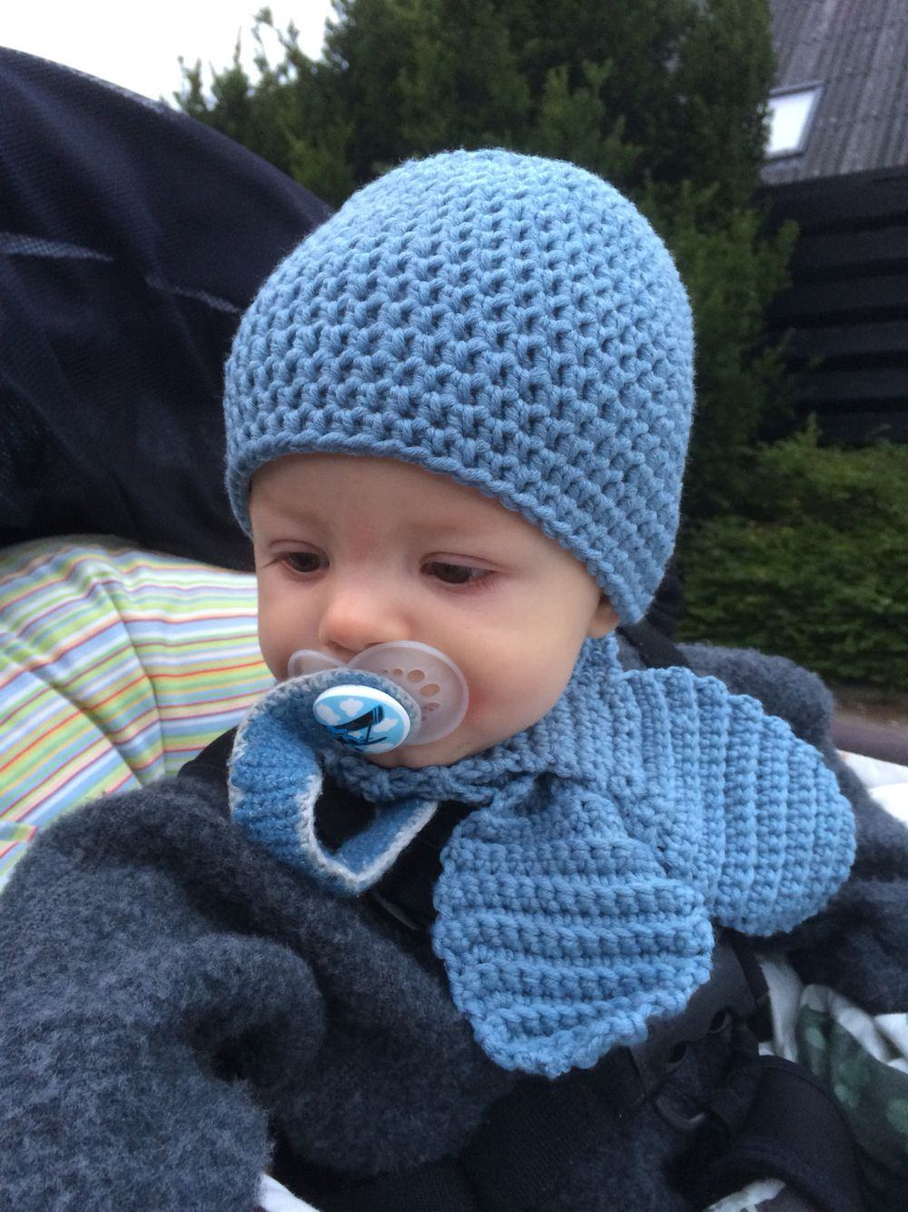 Baby hue og halstørklæde | Hæklet på dansk | Pinterest