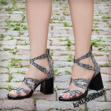 Mikanos Gold Simli Sandalet Sandalet Moda Ayakkabilar Topuklular
