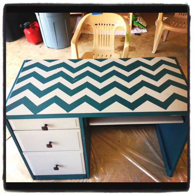 Chevron Desk With A Pink Chair
