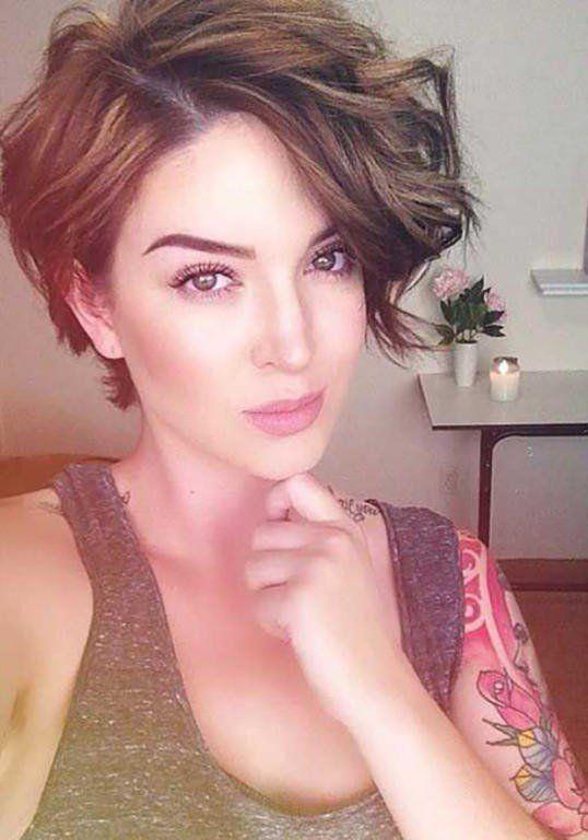 Hot Trend Krótkie Włosy Za Ucho Z Dłuższą Grzywką Fryzura Która
