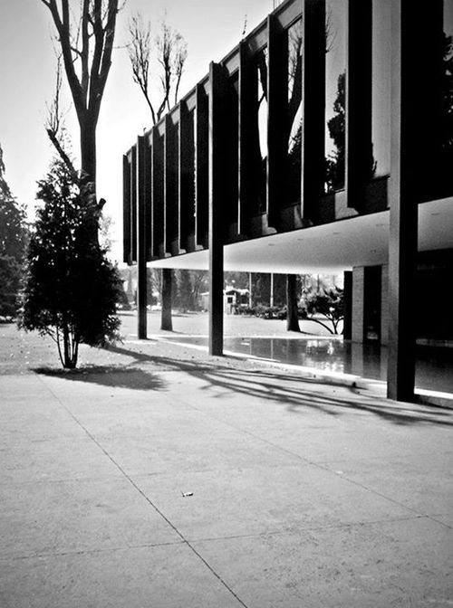 Ron Bacardi Y Compania Administration Building In Mexico By Ludwig Mies Van Der Rohe Space Architecture Architecture Design Architecture