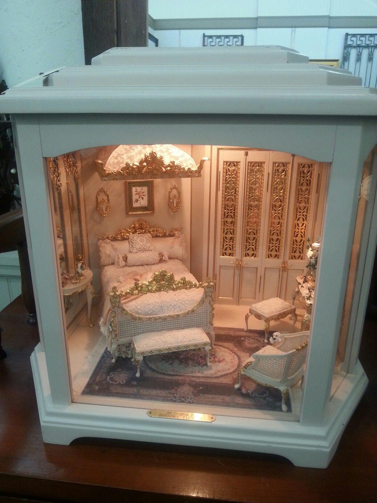 Found in a Delaware ohio antique store #miniaturerooms