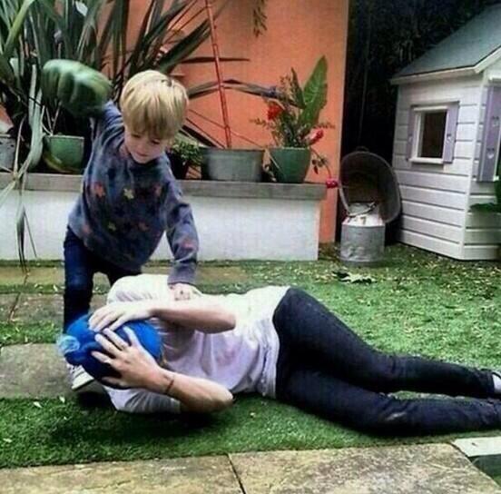 they're lying — harryswinston: Harry getting beaten up by a kid