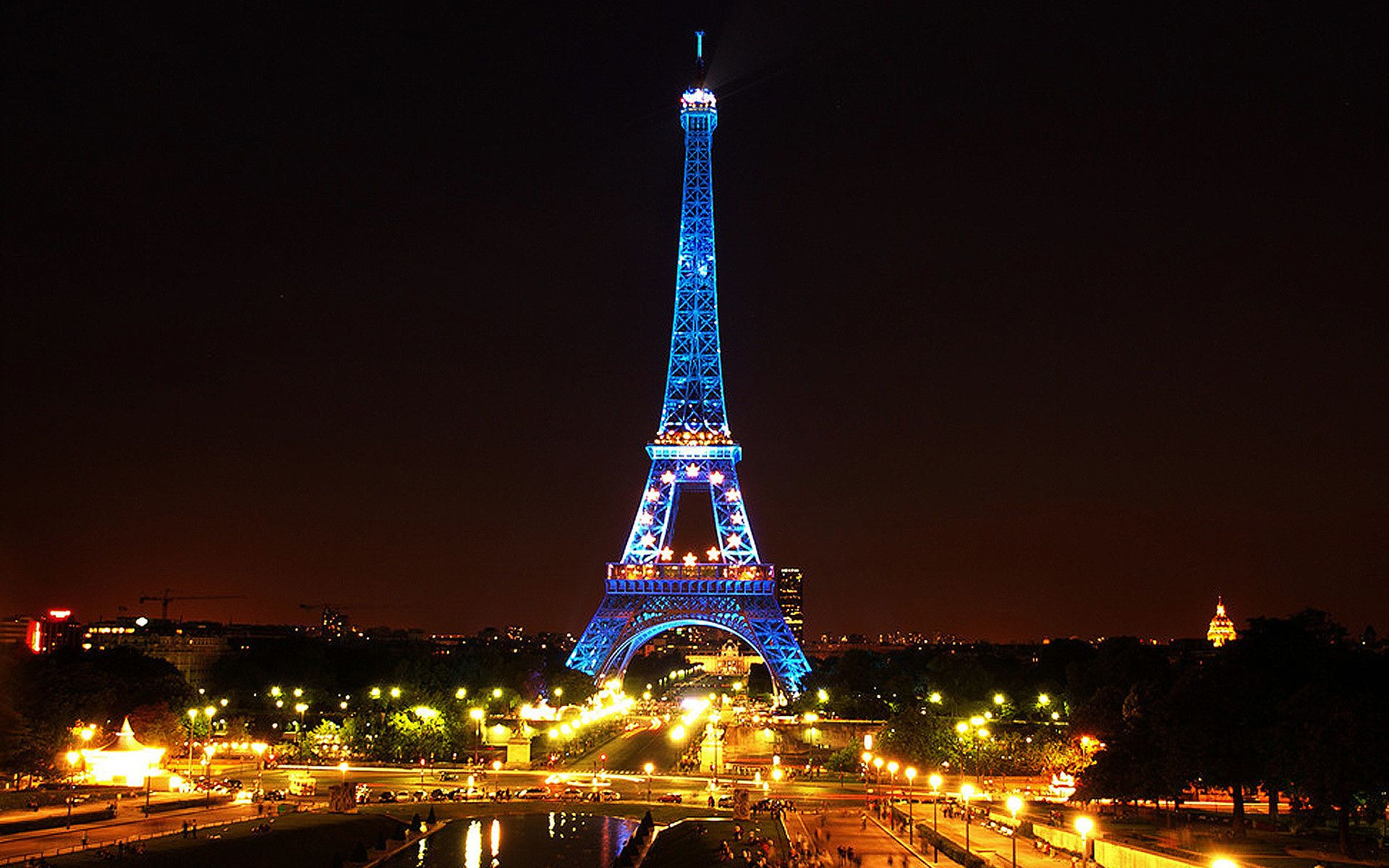 Paris Eiffel Tower Wallpapers Eiffel Tower Latest Hd Wallpaprs