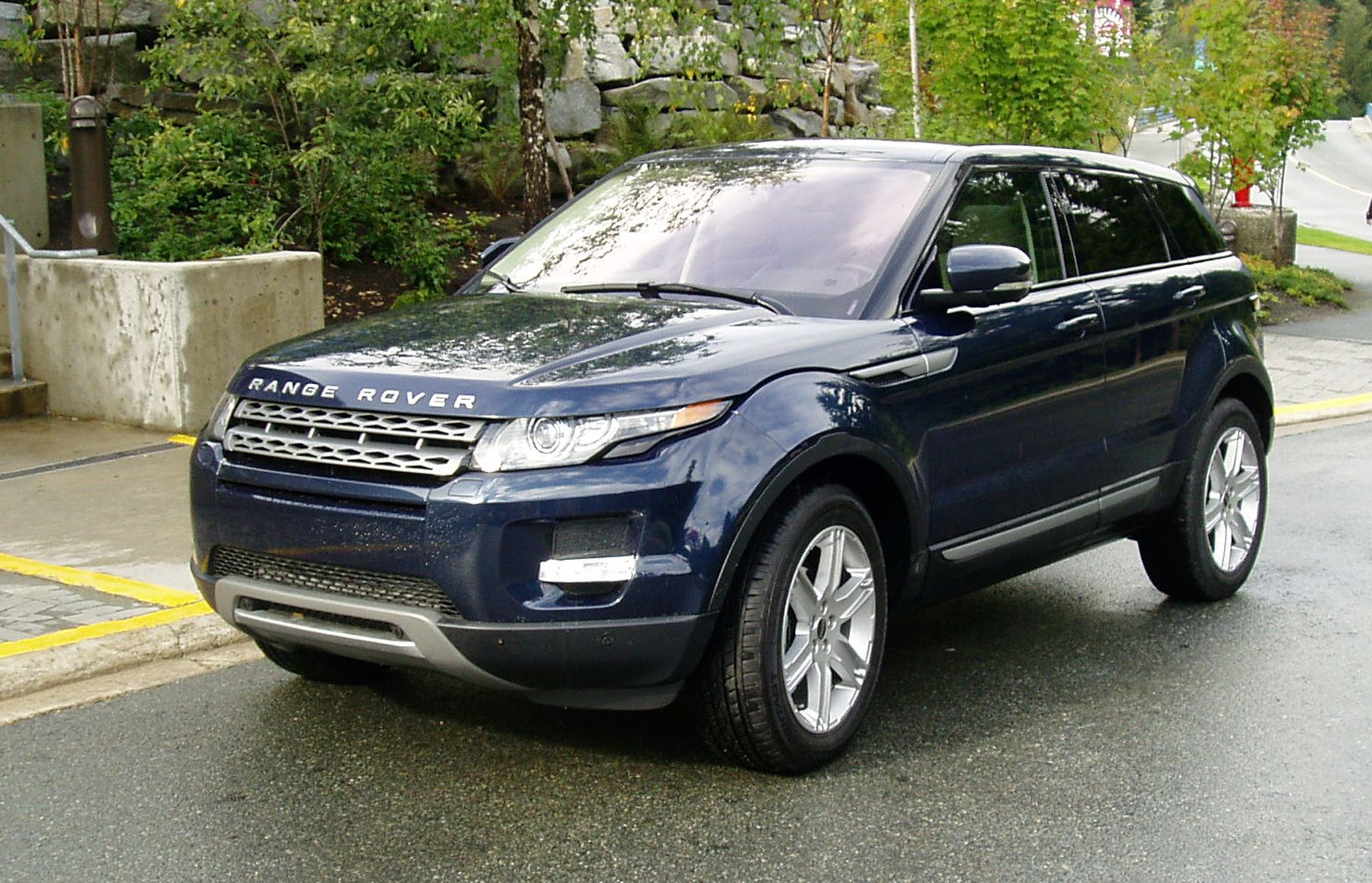 Range Rover Evoque In Baltic Blue