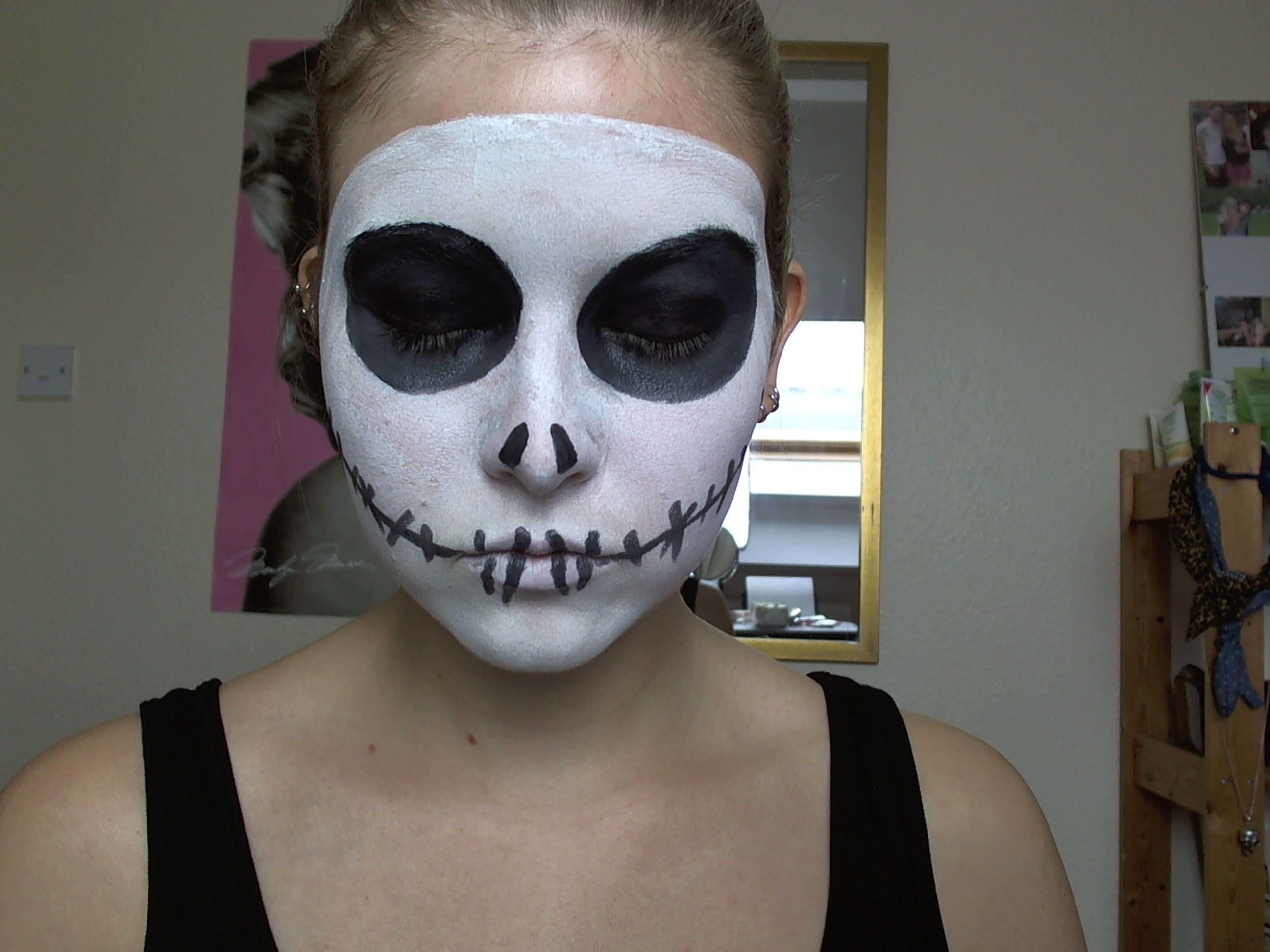 skeleton face paint Halloween Jack Skellington Make Up