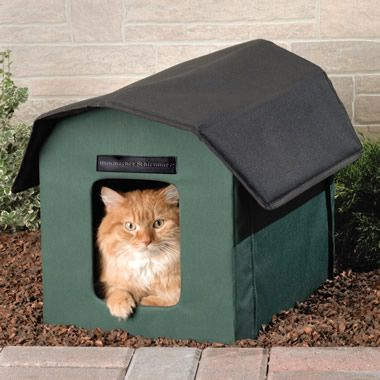 The Only Outdoor Heated Cat Shelter Hammacher Schlemmer Cat Shelter Outdoor Cat Shelter Cats