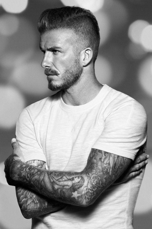 David Beckham This Man And His Tattos Drive Me Crazy Beckham Haare Manner Frisuren Stilvoller Mann