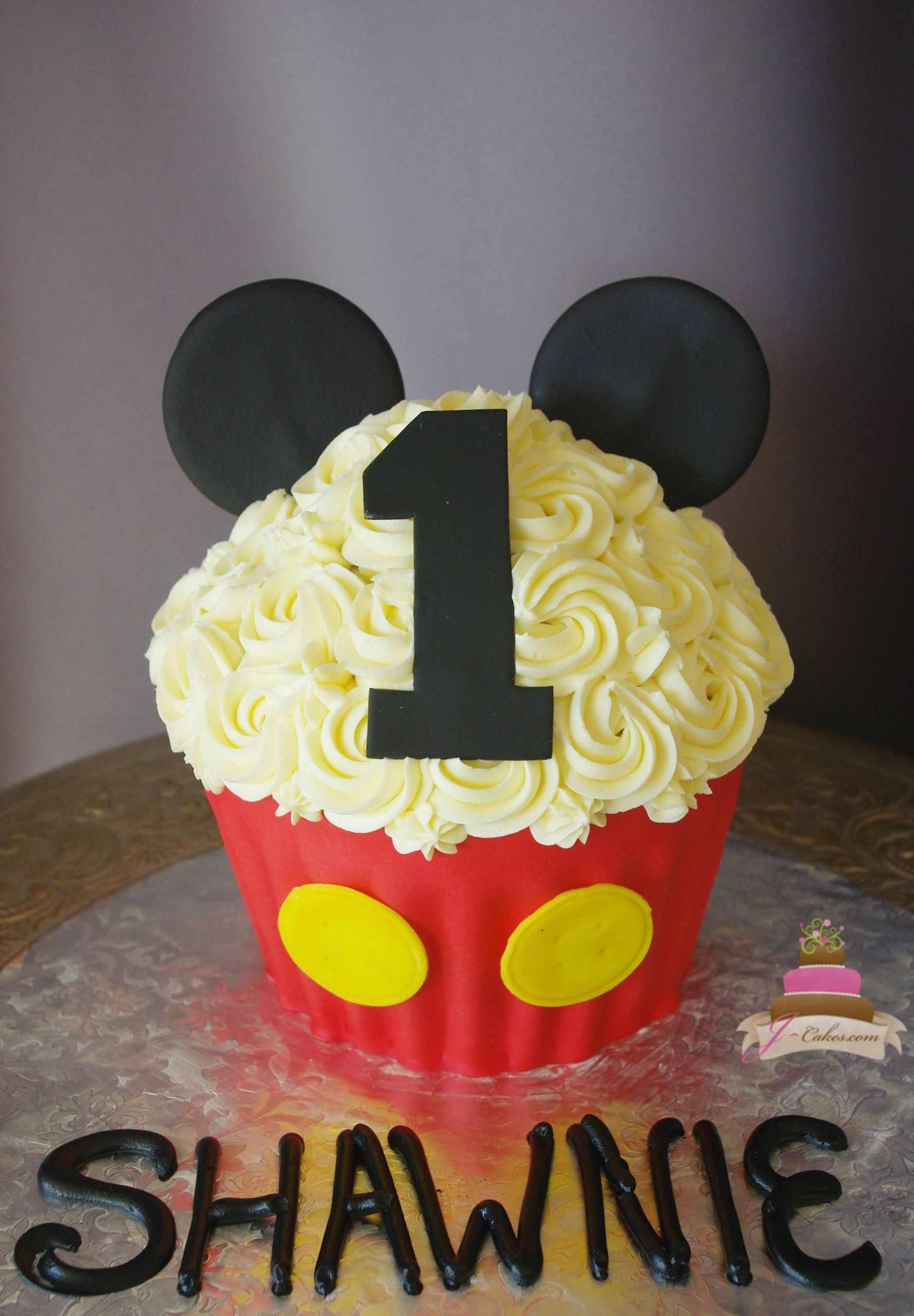 Enchanting Children S Cakes In Ct Mickey Cupcakes Mickey Mouse