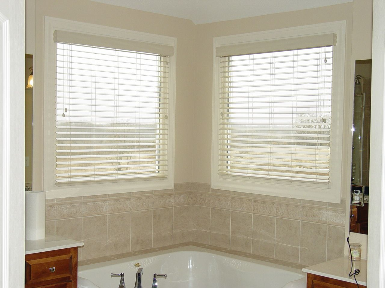inch lake forest faux wood blinds inside mount with outside valance
