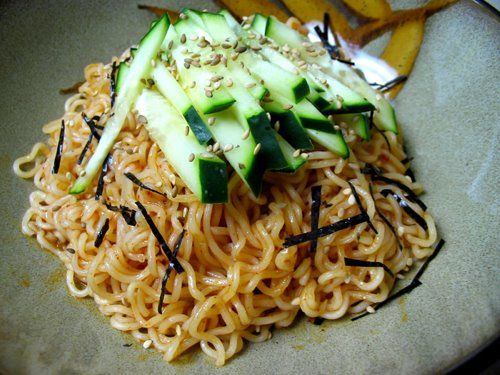 Bibim men spicy cold noodle instant korean cooking recipes bibim men spicy cold noodle instant korean cooking recipes korean food forumfinder Image collections