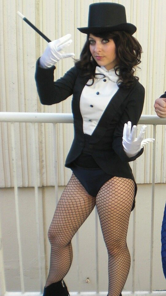 justice cosplay young Zatanna