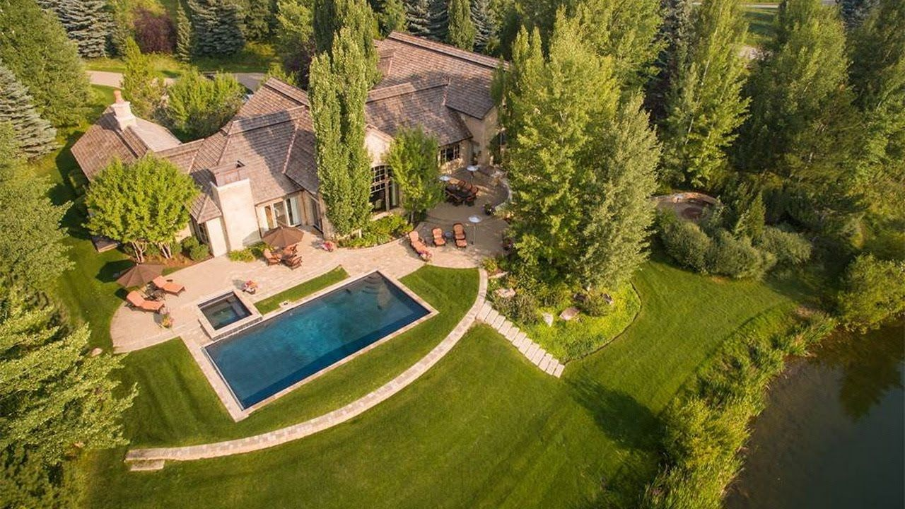million luxury and beautiful lake front home with easterly