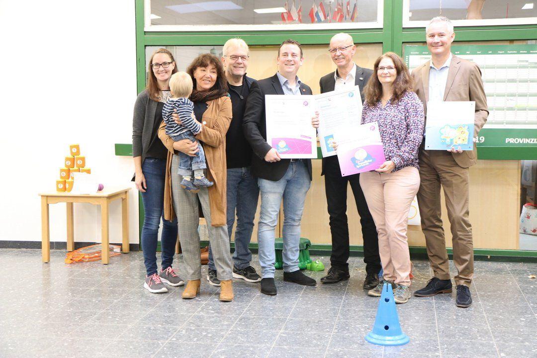 Juchen Zertifikat Fur Das Montessori Kinderhaus In Stessen