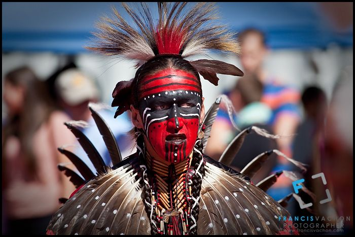 36bfaf79 Traditional Pow WoW Dresses | Algonquin traditional painting and dress »  Photojournaliste basé à .