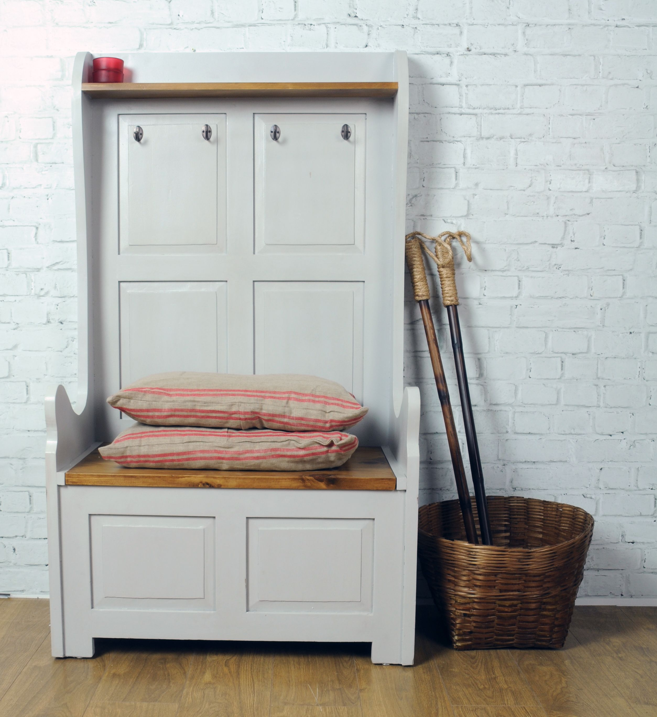 french frey monks hallway tall bench with coat hooks and seat, Wohnzimmer dekoo