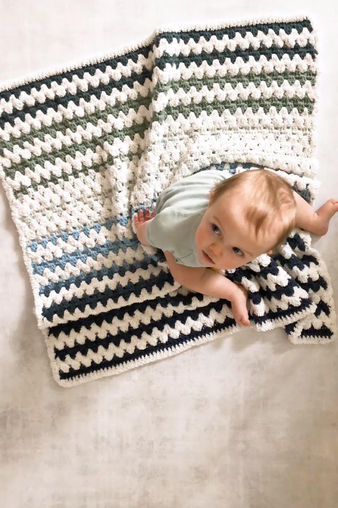 Photo of Beginner Crochet Baby Blanket Free Pattern – Fast + Easy!