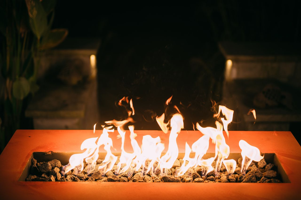 Fire pit art linear inch k natural gas or propane fire pit