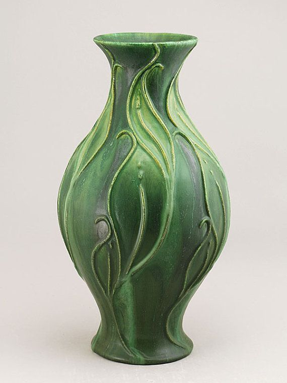 Doesn 39 t this remind you of the pieces made at the turn of for Cool pottery designs