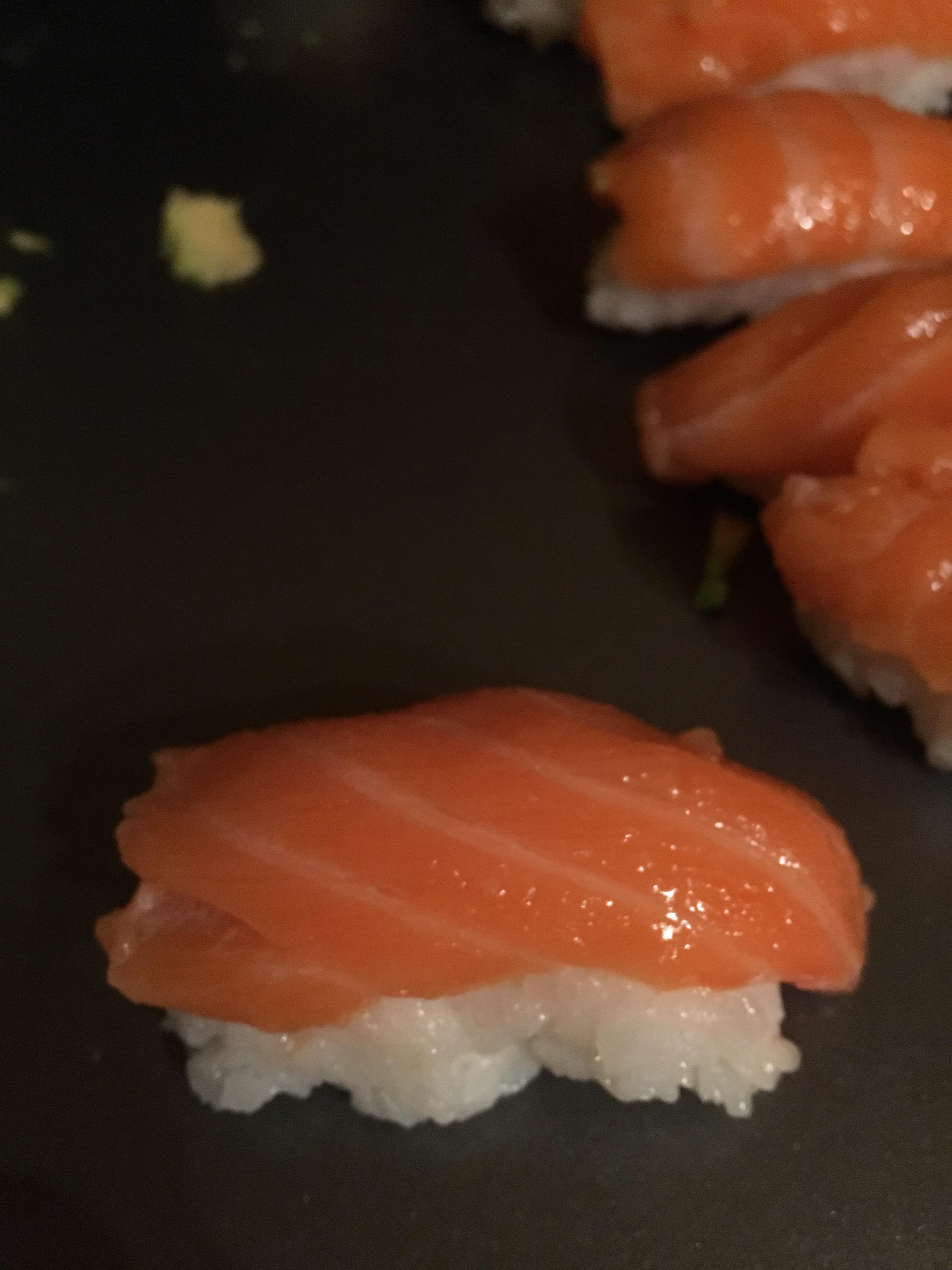 [Homemade] Salon nigiri style sushi #recipes #food #cooking #delicious #foodie #foodrecipes #cook #recipe #health