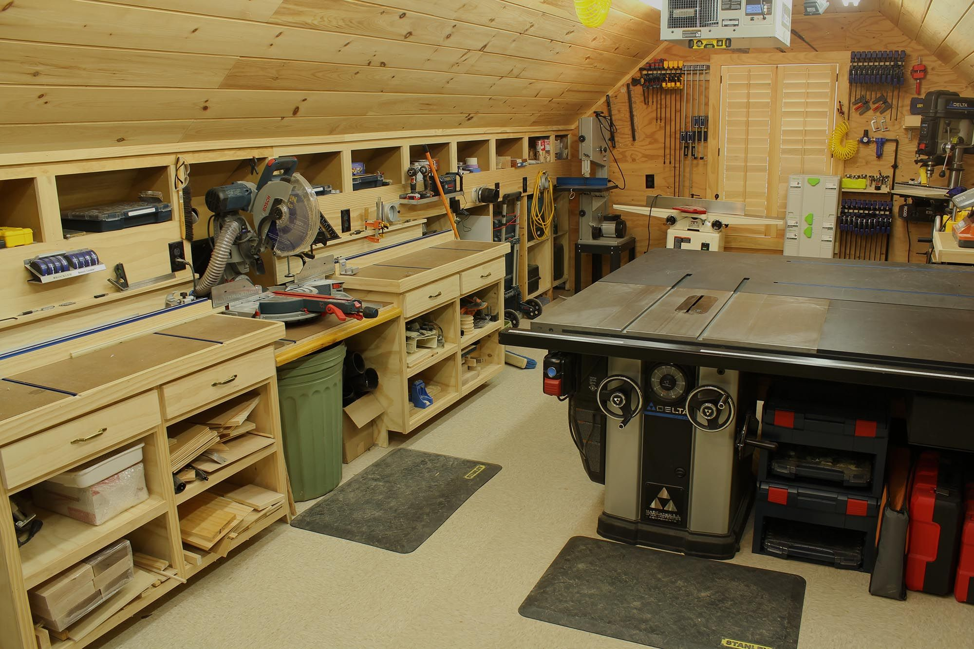 Wood shop this is the union woodshop felpe woodworking i for Garage with shop