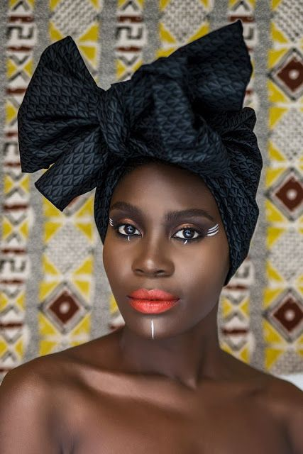 The magical colours of the world: The DUKU Crown - The african ...