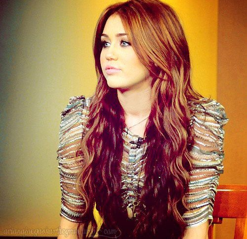 Her Hair Is Gorg Old Miley Cyrus Miley Cyrus Hair Styles