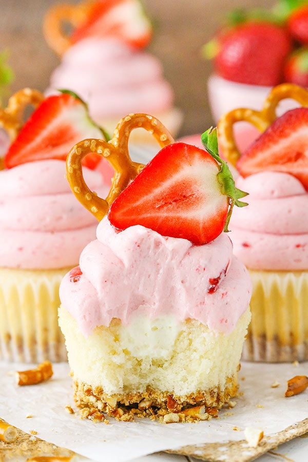 Strawberry Pretzel Salad Cupcakes | Recipe | Cupcakes ...
