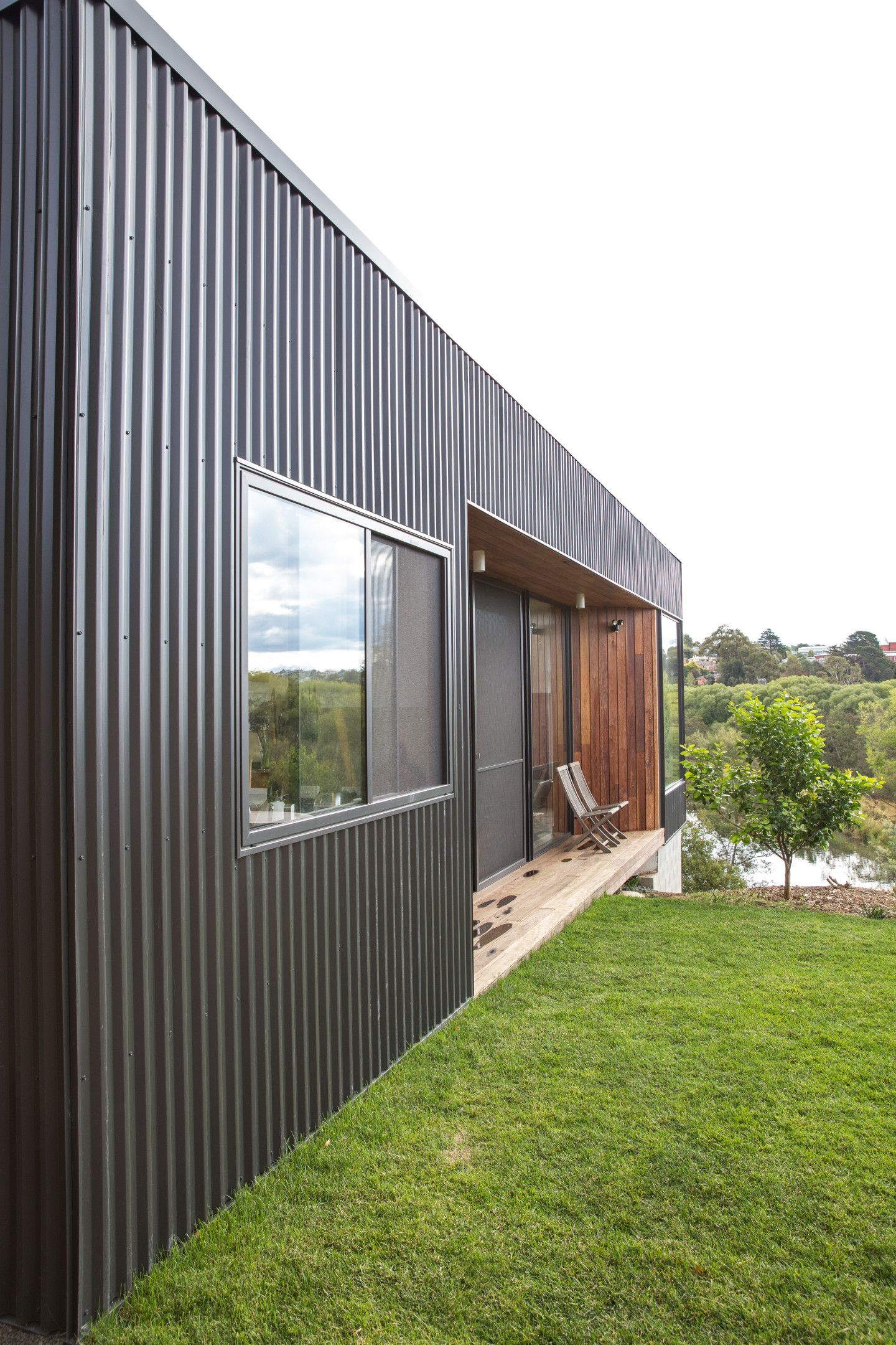 best metal sliding house ideas architecture pinterest home and buildings also rh