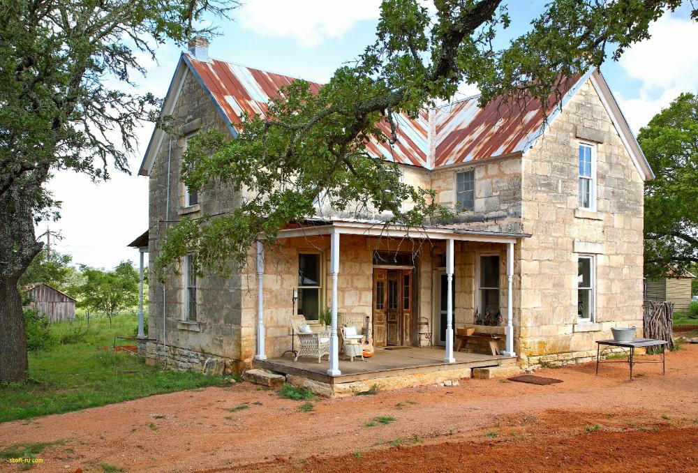 Pin By Sarah Humphreys On Dream House Hill Country Homes Texas Farmhouse Old Farm Houses