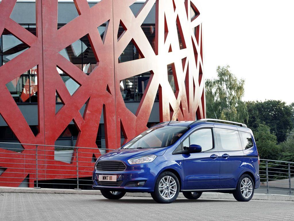 Yeni Ford Tourneo Courier 2013 Frankfurt Otomobil Fuarinda Iaa