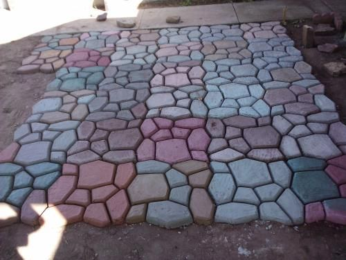 Patio done with concrete mold (QUIKRETE Country Stone Walk