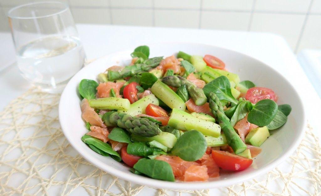 Gezond Recept: Salade met Asperges, Zalm en Kikkererwten