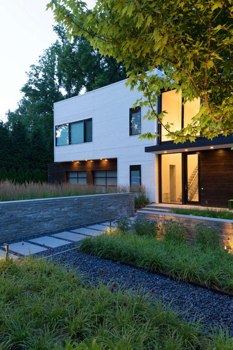 Robert M. Gurney Designs A Modular Light-Filled House Near ...