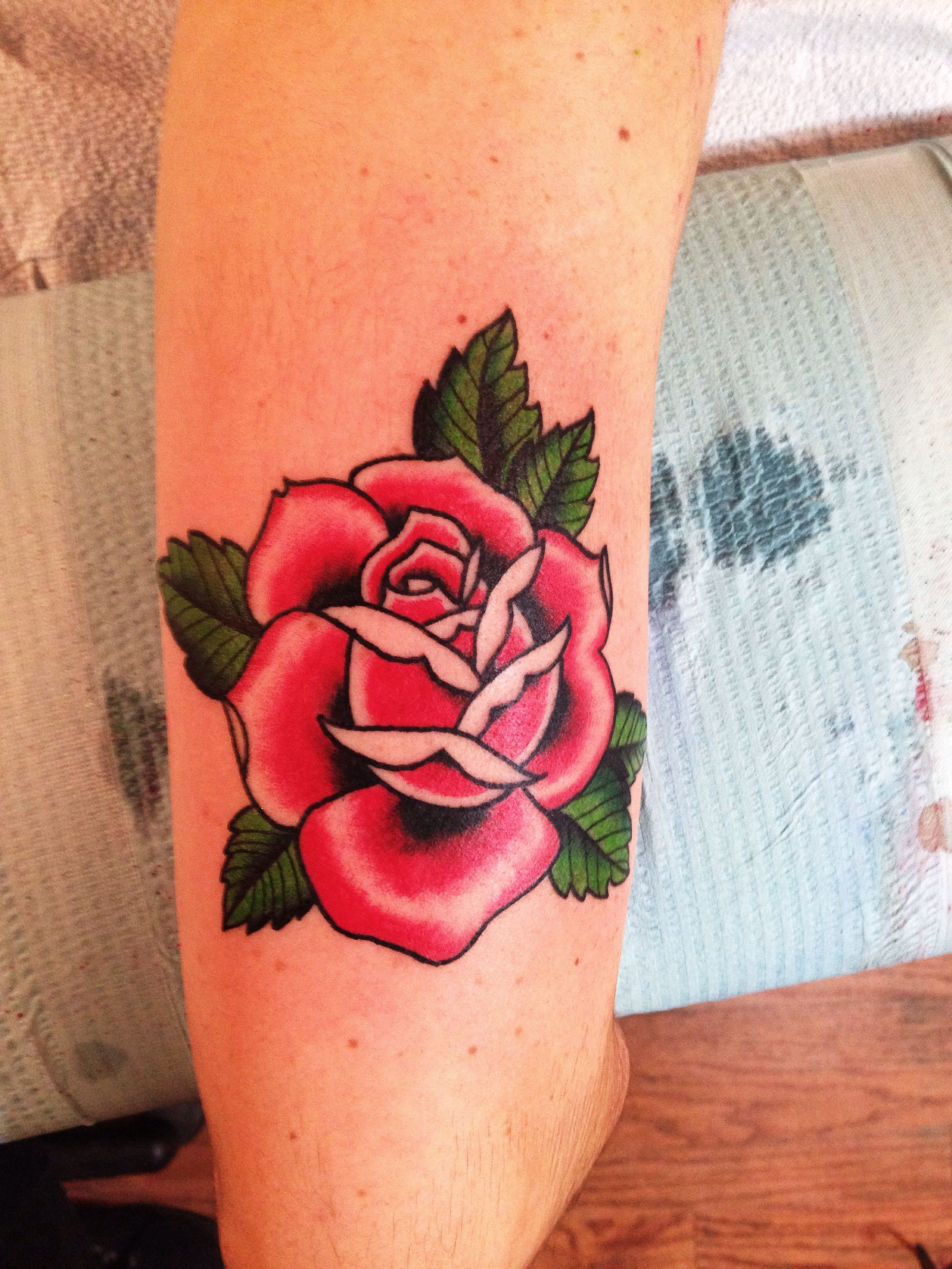 Rose tattoo on Keely while covering a shift  Mike Attack  New York, NY For appointments/inquires E-mail Mikeattacktattoo@gmail.com Instagram @Mikeattack_tattoo