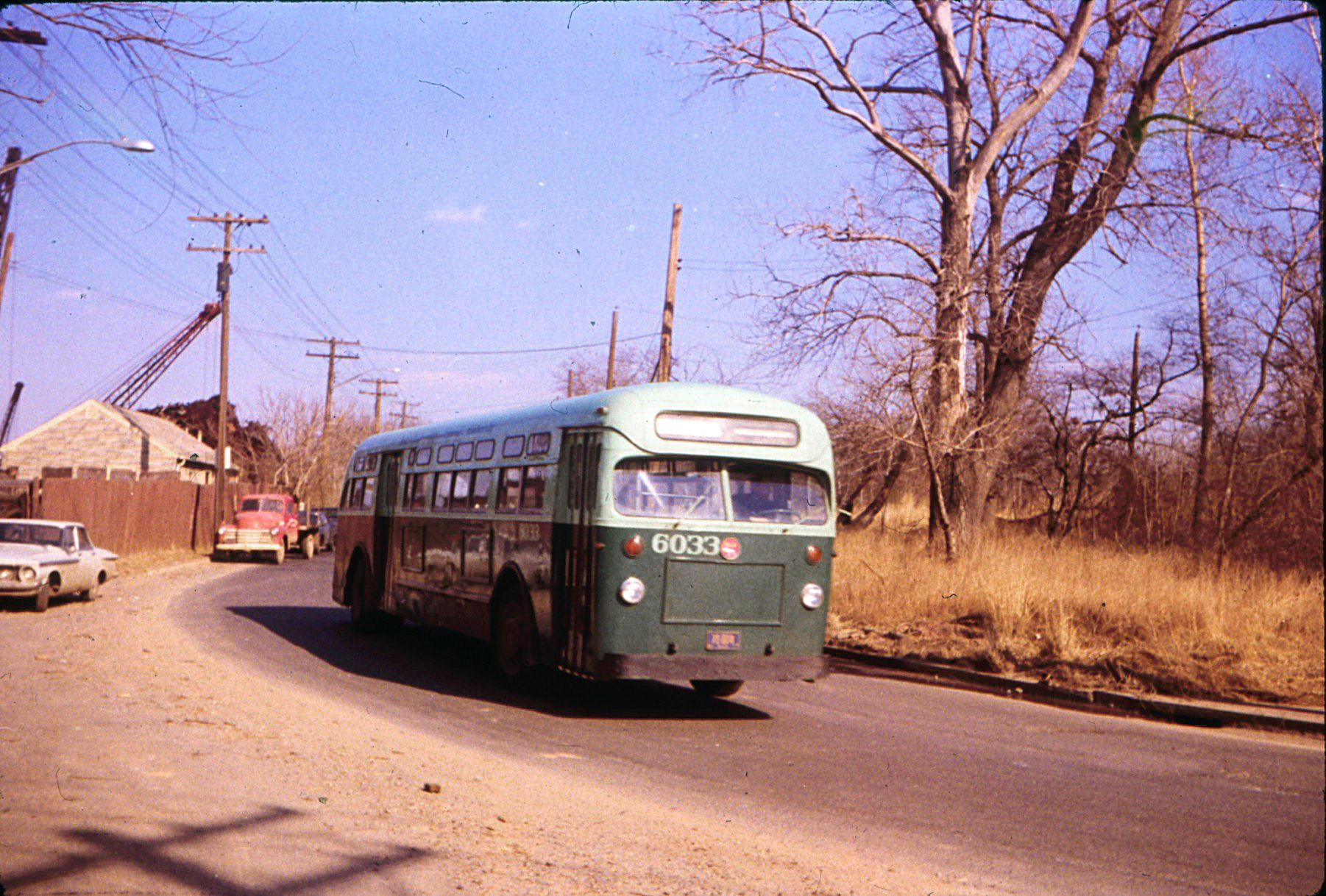 Buses, The o'jays and Walking on Pinterest |Photos Old City Buses 1950