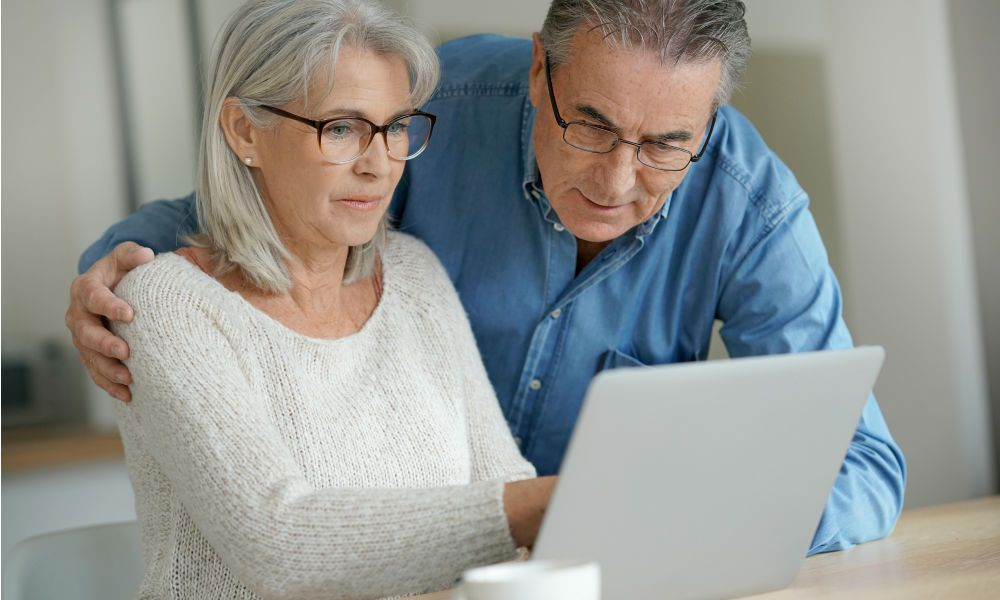 Over 60 and Love to Travel? Remember These Tips Senior