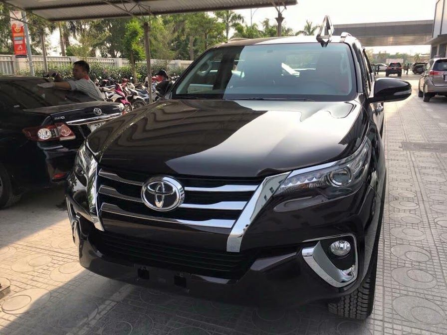 Hotline : 0909.016.946 - Nhanh tay đặt xe Toyota Fortuner 2017 ...