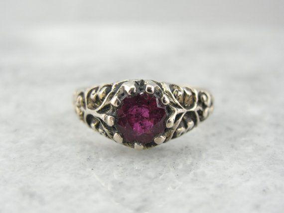 Antik geschnitzt Sterling 925er Silber Ring mit funkelnden Ruby-Center EZ6NA2-R