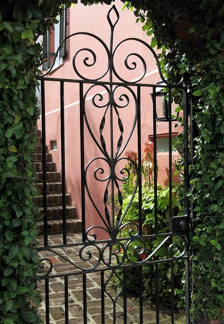 Wrought Iron Gate 5 Water Street Charleston Sc Iron Garden