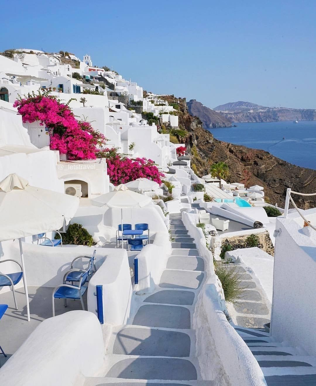 Pin By Luxyhijab On Places To Visit Santorini جزيرة سانتوريني Dream Vacations Destinations Places To Go Santorini